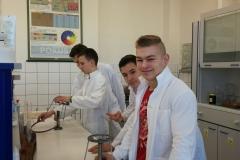 9.B v laboratořích